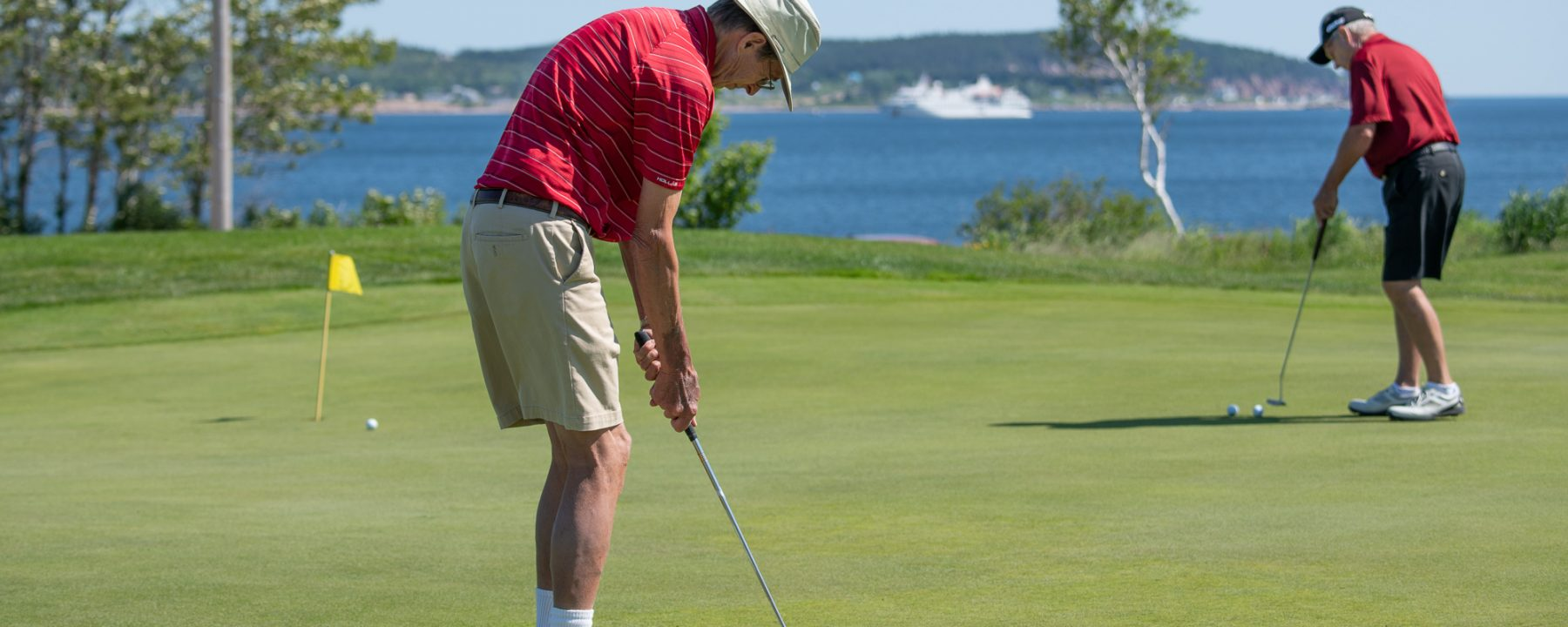 Golfer hits the link in Ingonish, NS