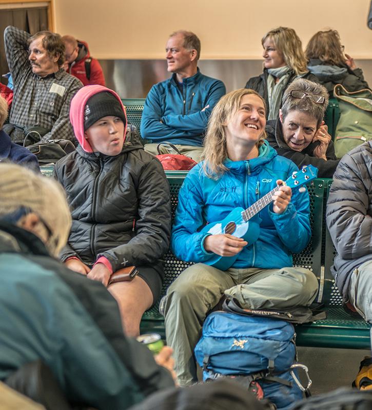 Kaylan Worsnop entertaining guests. Photo: Jeff Topham.
